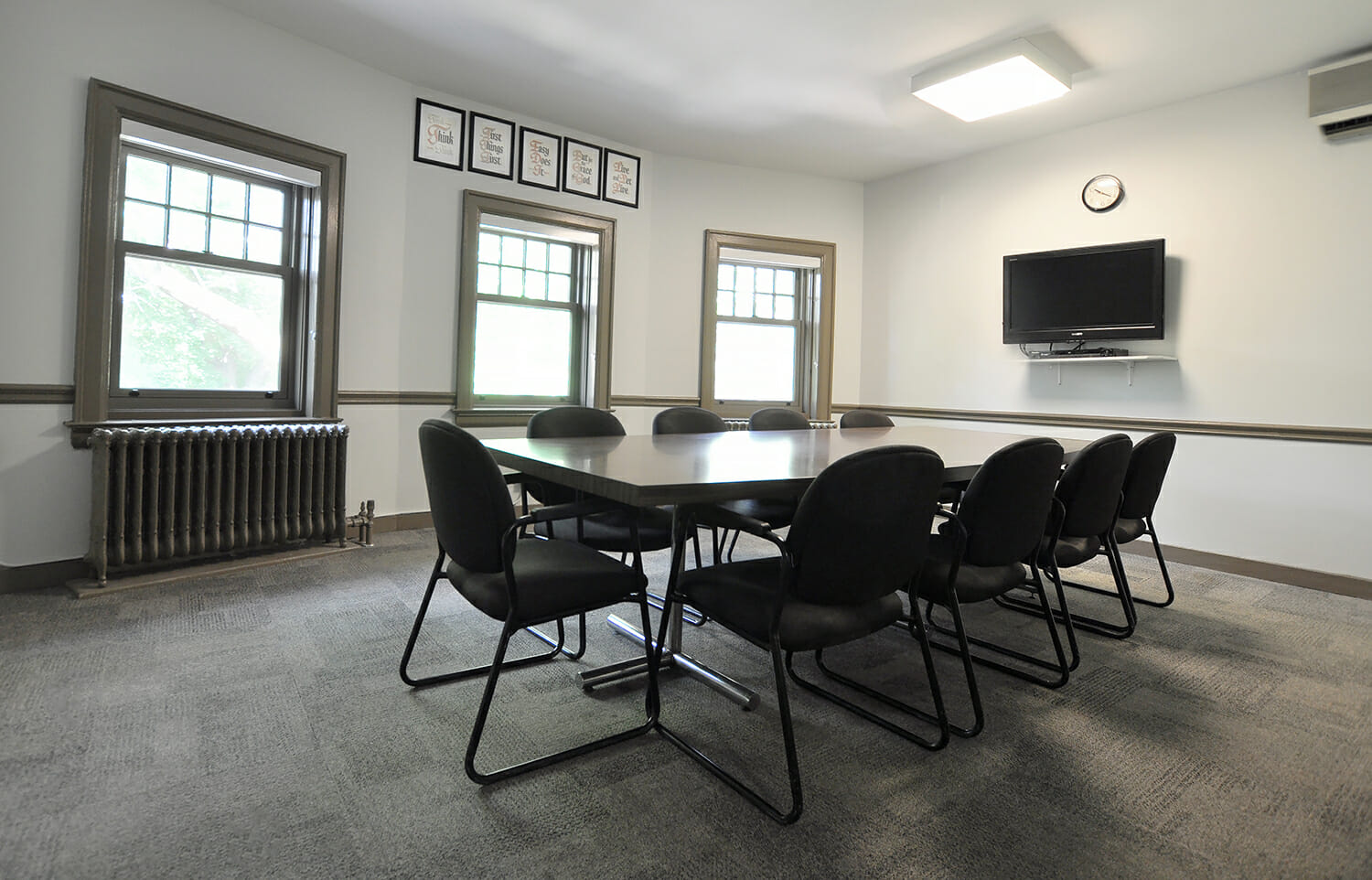 Table and chairs in Punanai Centre group room.