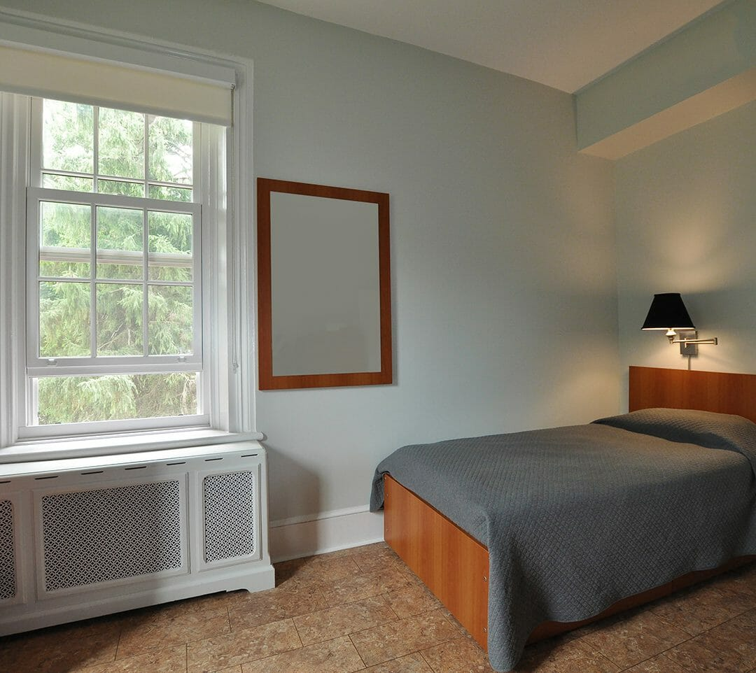 Sullivan Centre bedroom